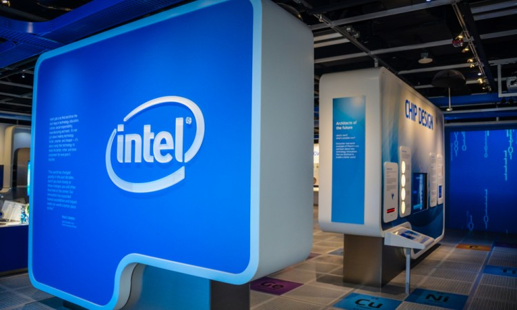 Exclusive: Intel launches blockbuster auction for its mobile portfolio