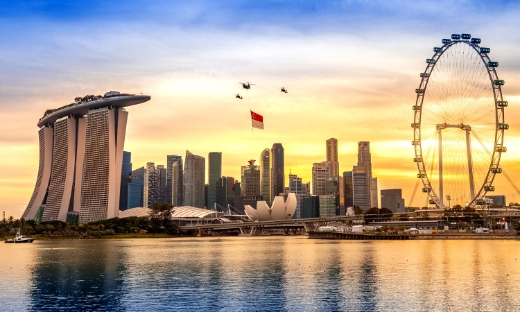 Singapore plain packaging date, USPTO vulgar application rush, and MyTaxi rebrand confuses users: news digest